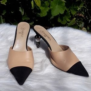 CHANEL Shoes - ♥️CHANEL SNAKE & PEARL HEEL'S